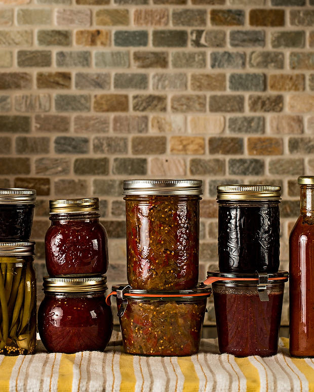 Home preserves on www.simplebites.net #DIY #canning #jam #recipe #preserving