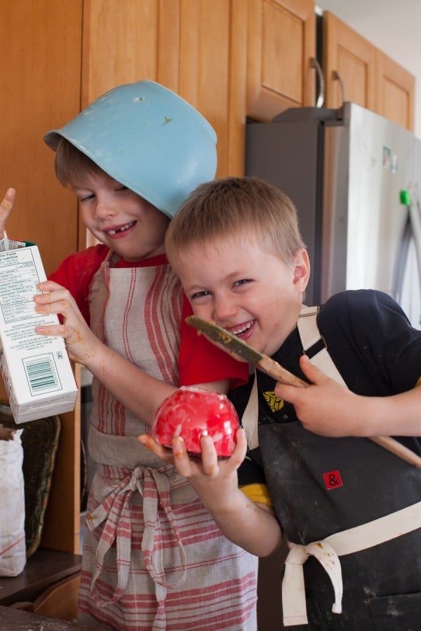 Kids in the kitchen: gingenbread outtakes