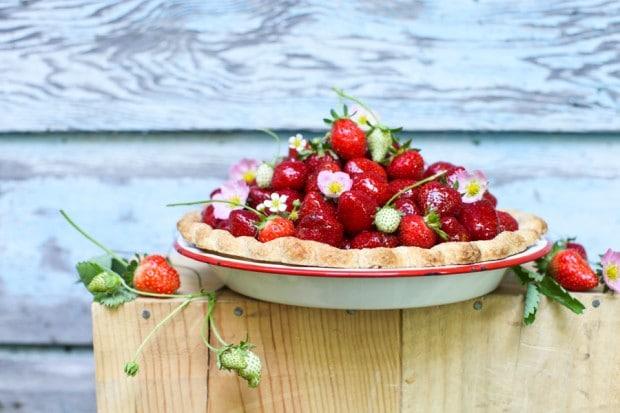 3-ingredient Fresh Strawberry Pie | Simple Bites #recipe #pie #strawberries