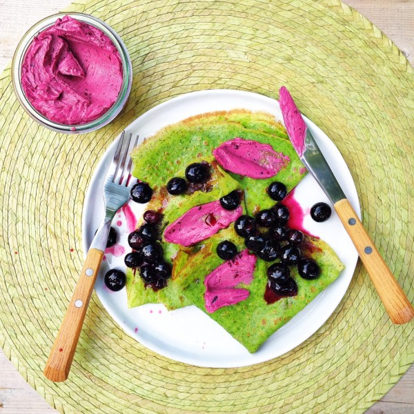 Spinach crepes with berry butter