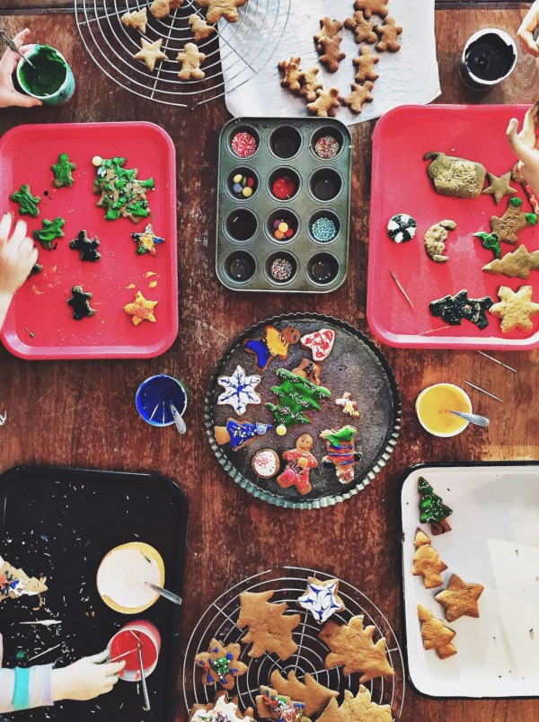decorating gingerbread with kids