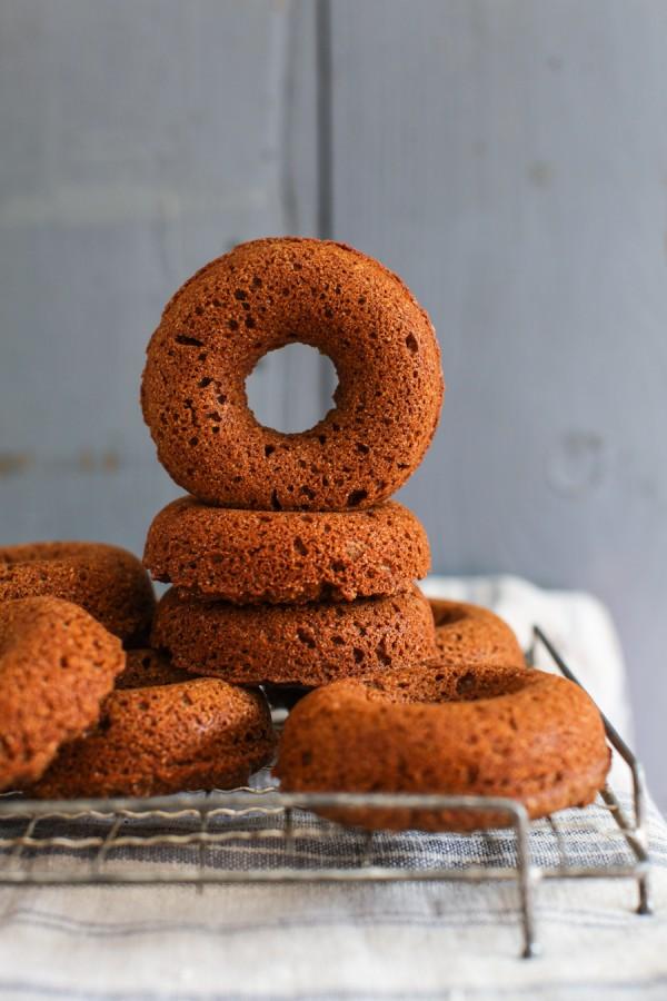 Pumpkin Spice Baked Doughnuts-1