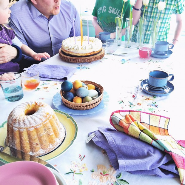 Easter cake tablescape