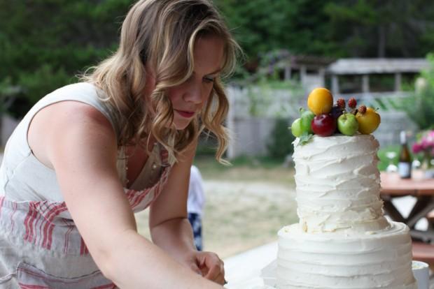 Wedding cake decorating   Simple Bites