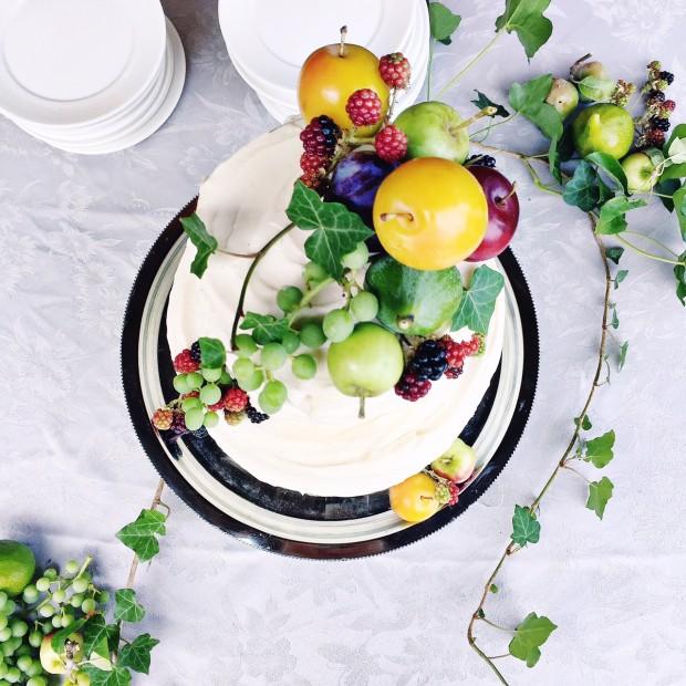 Simple fresh fruit wedding cake topper #cake #wedding #fruit
