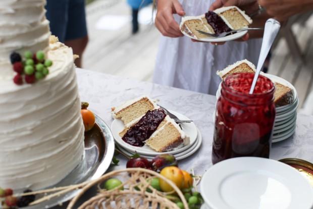Simple wedding cake   Simple Bites