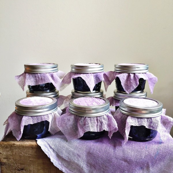 Grap jelly jars with 'dyed' purple jelly cloth