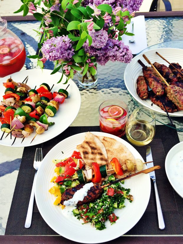 Grilled kofta tablescape | outdoor entertaining